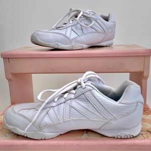Girls white cheer shoes size 3 skid resistant